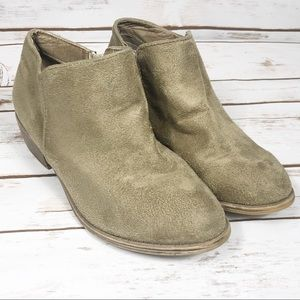 Journee Collection Tan Suede Boots